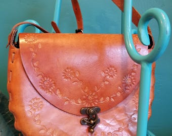 Amazing condition tooled leather bag. TBags made in Thailand