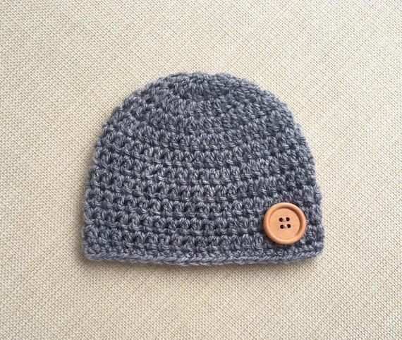 2fad58d5398b Crochet chapeau nouveau-né. Bébé garçon bonnet avec bouton 0   Etsy