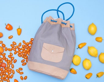 Sewing pattern and tutorial fpr a leather and canvas kitbag / duffle bag