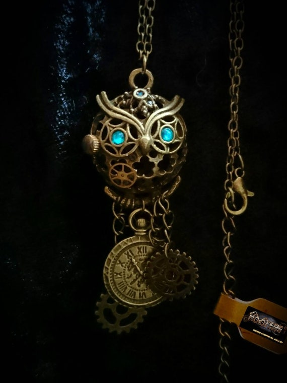 "REDUCED ** Steampunk Hooters owl ""Hootie pie"" necklace"