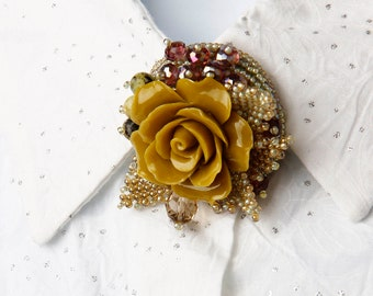 Embroidered Flower Brooch Beaded Flower Pin Yellow Rose Bouquet Handmade Round Brooch for Jacket Beadwork Flower Gift Fashion women Jewelry