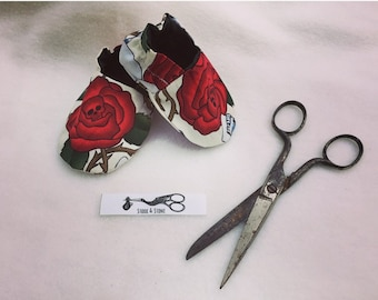 Skull and Roses Bib and Boot Set