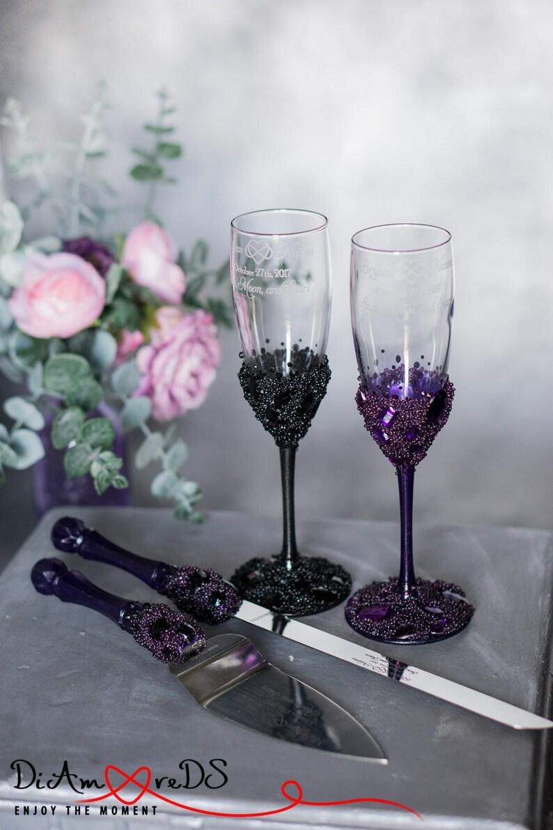 Wedding Cake Cutting And Champagne Flute Set Black And Purple Wedding Gift Toasting Glasses Bride And Groom Wedding Gift Crystal Server