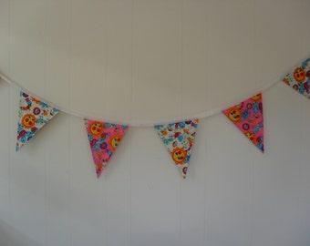 Bright Pink & Cream sunshine bunting / banner. Pink and cream bunting / banner. Item No. LDC0162