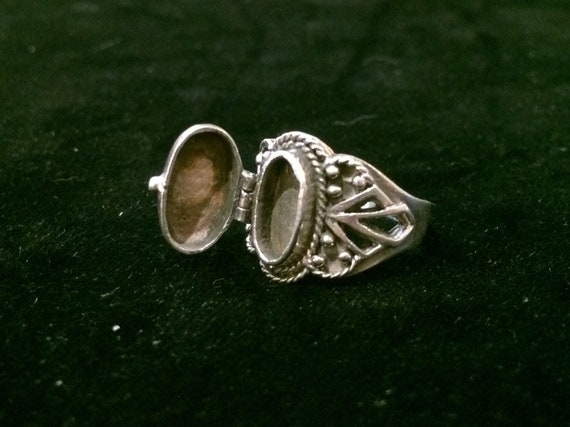 5 1/2 Sterling Silver Poison Poison Ring .925 Size