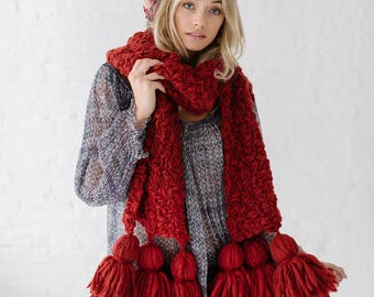 Knitting Pattern // Easy Knitting Patterns, Knit Scarf Pattern, Tassel Scarf, Oversized Knit Scarf, Chunky Knit Scarf, Bulky, Handspun Yarns