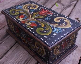 Norwegian Rosemaling in Rogaland Style Recipe Box