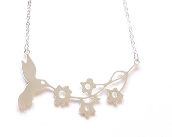 Hummingbird on Flowers Necklace, summer necklace, Bird necklace, bird pendant, floral necklace, christmas jewelry gift, bohemian jewelry