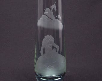 Caithness Shakespeare The Tempest Caliban engraved lilac/alexandrite glass vase