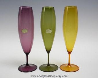 Vintage harlequin set of 3 lightweight glass posy vases