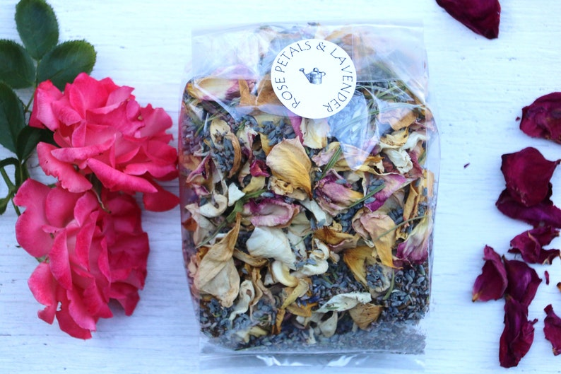 Dried Rose petals and dried lavender  1 5oz bag, dried flower petals,  naturally grown, dried roses, wedding confetti, rose potpourri, soap