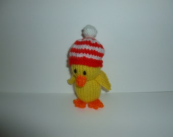 Knitted duckling