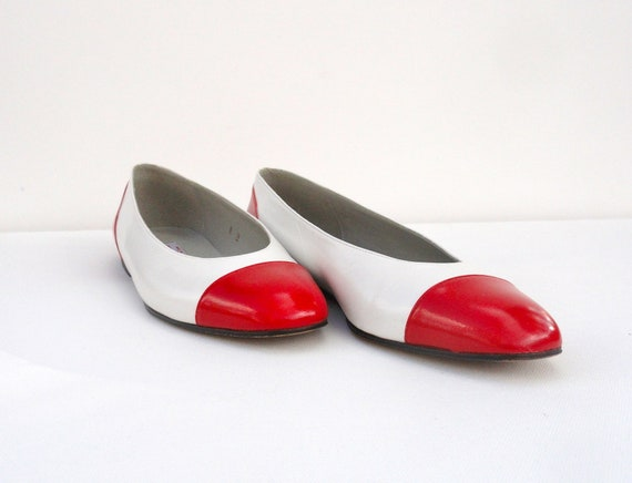 e1817d449450c Vintage 1960s Pappagallo Two Tone Leather Flats Red White 8   Etsy