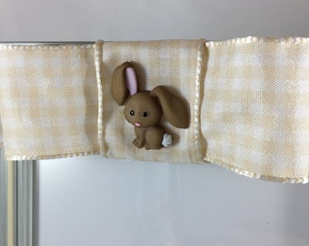 Sweet gingham yellow bow frame with baby bunny accent