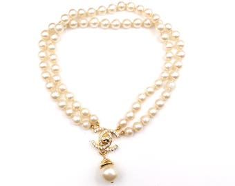 4a5eb893de9d Chanel Vintage Rare Gold Plated Turnlock Crystal CC Faux Pearl Dangle Pearl  Necklace