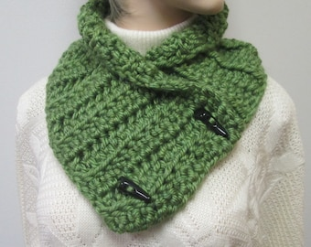 Avocado Green Chunky Scarf, Fall Chunky Scarves, Kini Scarves, Fall Womans Scarves, Winter Chunky Scarves, Crochet Scarf, Fabiana B1-014