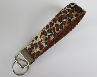 Cheetah Keychain for Women, Cool Lanyards for Women, Cheetah Keychain Lanyard, Cute Wristlet Lanyard, Cute Key Fobs