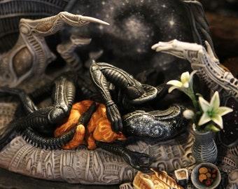 Xenomorph with Jonesy Cat Alien Movie Giger Biomechanical Aliens Sculpture Protomorph Alien Covenant FREE EXPRESS shipping