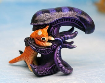 Cute Xenomorph with Jonesy Cat Alien Movie HR Giger Biomechanical Aliens Figurine Polymer Clay Sculpture Protomorph Alien Covenant