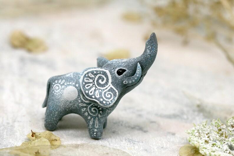 Elephant Statue Decor Figurine Sculpture Animal Totem image 0