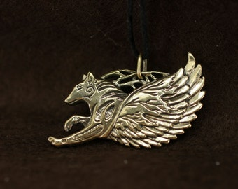 Running winged wolf bronze pendant necklace