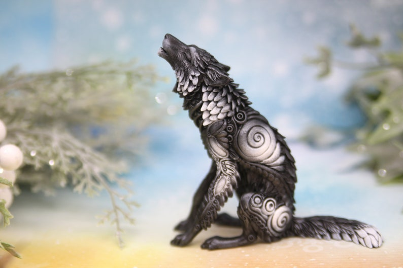"Small Wolf in the Snow Figurine 3/"" Tall  Wild Animal Collectible Statue A"