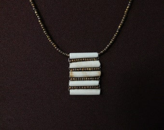 Clay Pipe Necklace – horizontal design with integrated beads (Bronze)