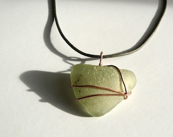 Thames Glass Pendant – a mudlarking find selected from The River Thames foreshores entwined with recycled copper wire