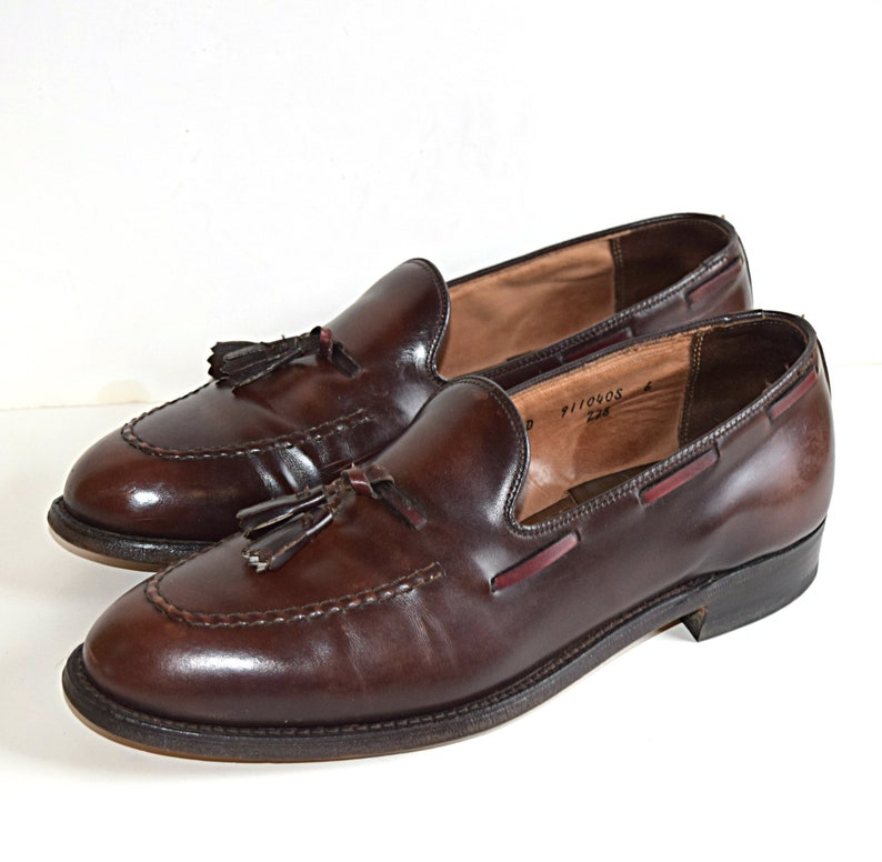 d6b4d1fc085 Vintage 9 M Wright Loafers