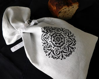 Bread bag in black and white linen