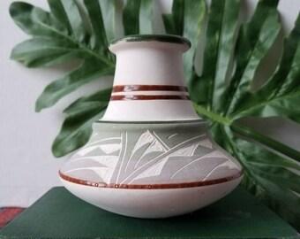 Vintage Mexican Vase | Southwestern decor | Santa Fe pot | Bohemian home decor | flower vase | Navajo vase | Earthenware | Pottery |