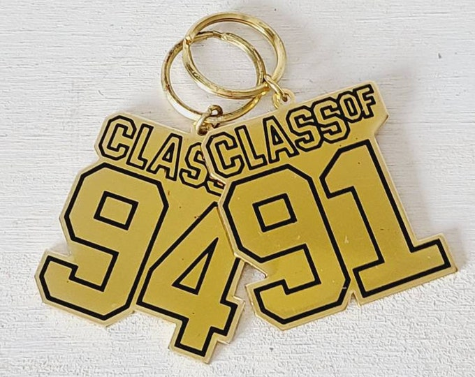 Vintage 90s keychain class of 91, 94 | new old stock key rings | graduation | reunion |