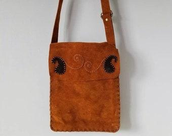Vintage suede crossbody bag | bohemian style |