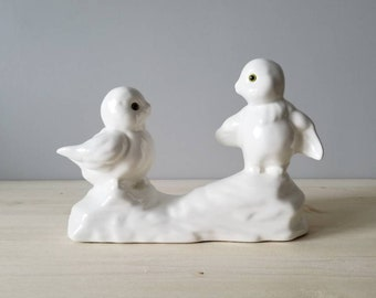 Vintage bird figurine | Pair of ceramic lovebirds