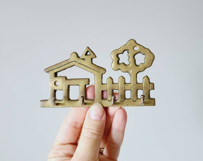 Vintage brass key hook | home organization | home storage |