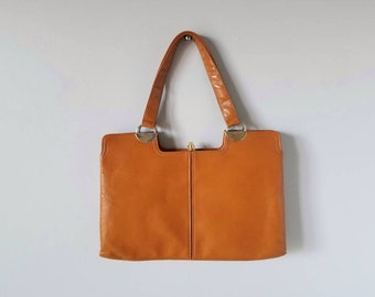 Vintage leather handbag | purse | mid century modern style | vintage fashion | distressed soft leather |