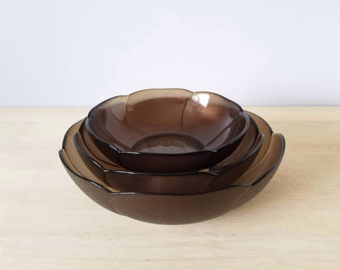 Vintage Arcoroc glass nesting bowls | smokey glass flower bowls made in France | set of 3 bowls |