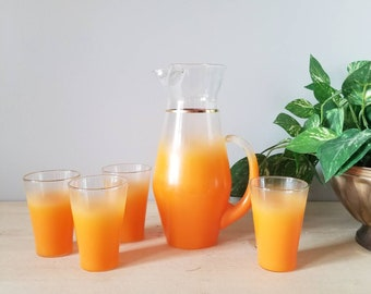 Vintage blendo pitcher with four glasses | orange juice glasses |