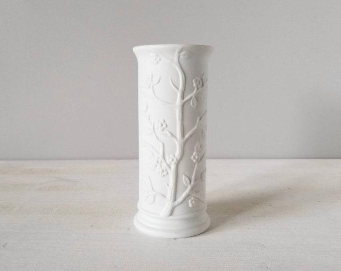 Vintage matte white vase | cherrywood blossom design | made in Japan | floral arrangement |