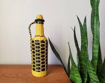 vintage wire wrapped bottle | Scoubidou bottle |