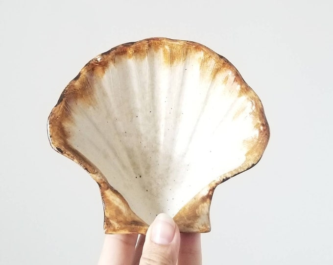 Vintage shell trinket dish by Nalda pottery | jewelry holder | jewellery storage |