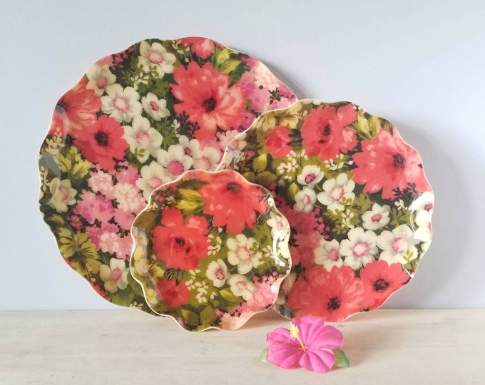 """Vintage floral tray set of 3 