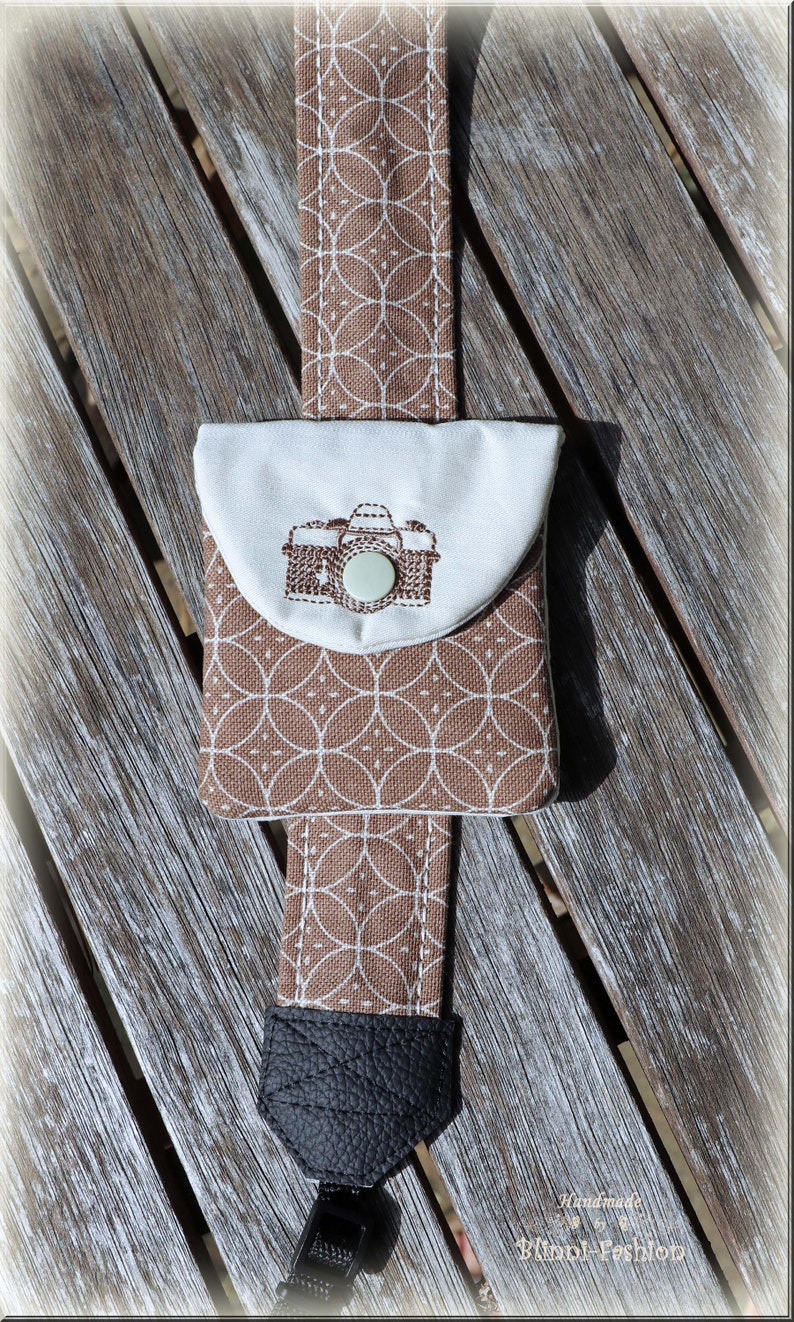 Camera strap with fancy retro print for DSLR or system camera