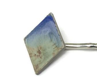 Hair pin with handmade ceramic bead. Hair clip jewelry. Minimalist hair clip jewelry with glazed bead on a metalpin. Boho hair pin jewellery