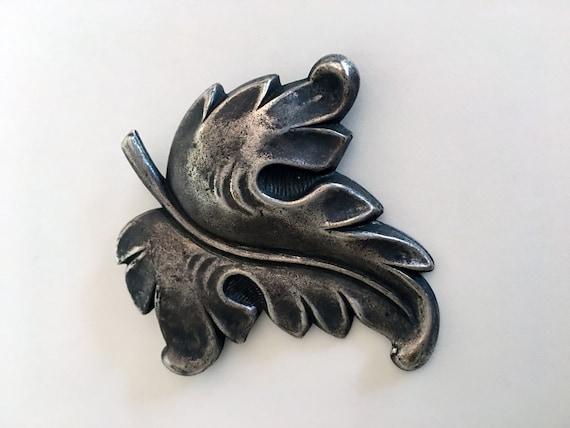 Rare JOSEFF of HOLLYWOOD Vintage Leaf Design Brooc