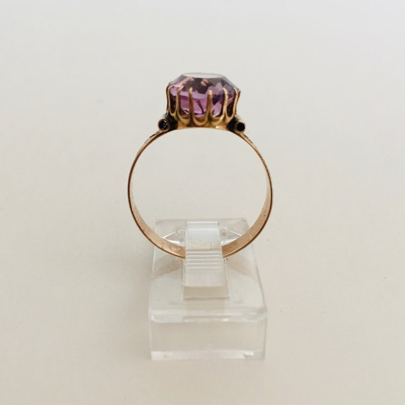 Size 7.5 Victorian 9K Gold Amethyst Ring