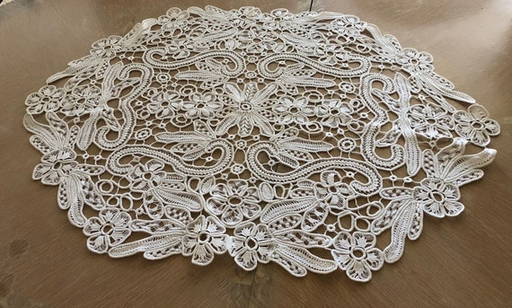 Vintage, HUNGARIAN POINT LACE, Large Oval Hand Mad