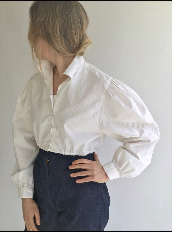 Vintage White Puff Crop sleeve shirt