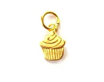 Silver Cupcake Charm, Dessert Charm, Birthday Charm, Gold Charm, Britannium Charm, Charm Bracelet, Cupcake Pendant, Jewelry Supply, Finding