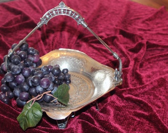 Antique James W Tufts Triple Plate Silver Bride/'s Basket #2706 with Adjustable Handle